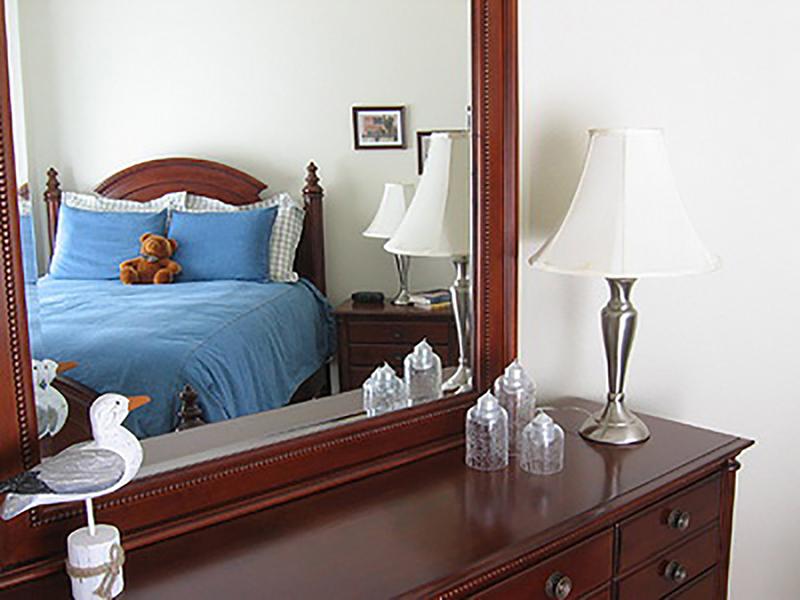 Kiêng đặt gương đối diện đầu giường
